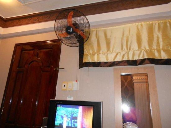 Duna Hotel : 室内