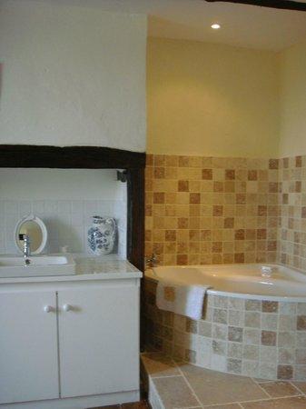 Maisons La Boissiere : Bathroom - La Maison Perigordine