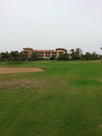 Fuerteventura Golf Club: Patchy fairways