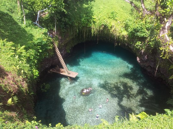 To Sua Ocean Trench: Exactly like the postcard!!