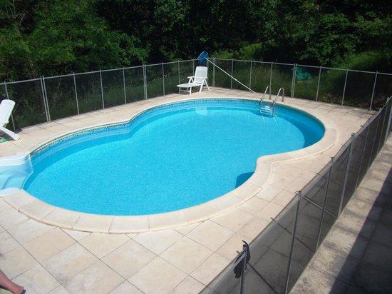 Tarn-et-Garonne, France : The pool