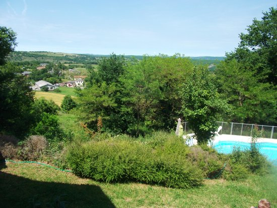 Tarn-et-Garonne, Francia: Pool and village from the house