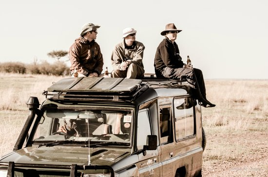 Entim Camp: On top of the Land Cruiser, waiting for a crossing