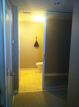 Hotel Ignacio: restroom
