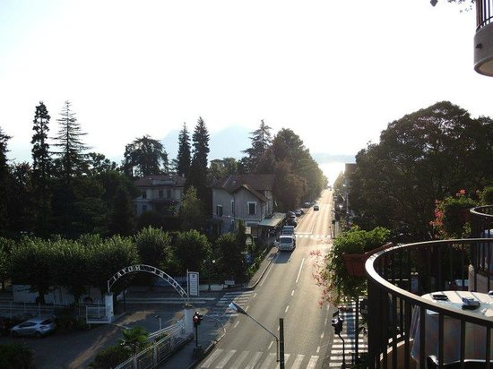 Hotel Della Torre: vue direction Stresa centre