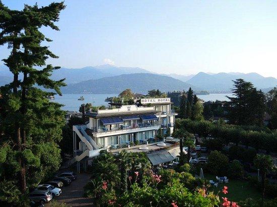 Hotel Della Torre: vue direction embarcadère vers iles Borromées
