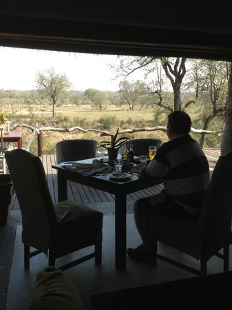 Simbambili Game Lodge: View from dining area