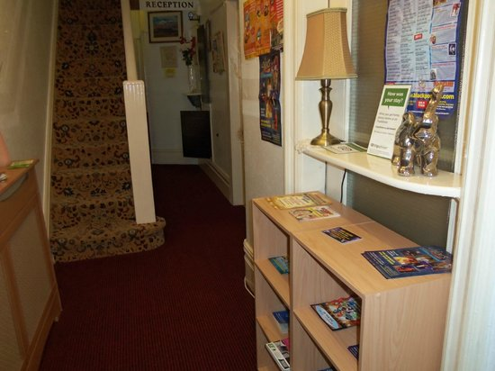 Ardsley Guest Accommodation: Entrance