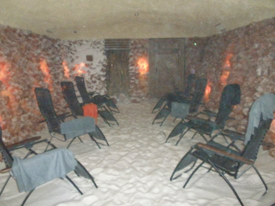 Salt Caves: The view upon entering the unoccupied ''Cave''.