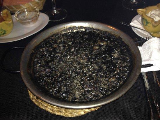Bodego de la Sarieta: Arroz negro