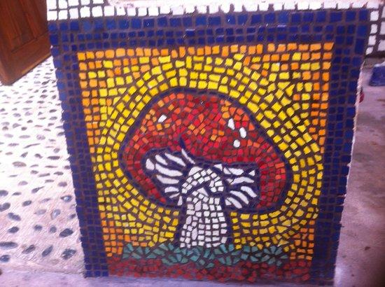 Villa ZenaLiza: Lots of beautiful Mexican Talavera tile work