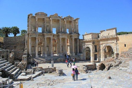 Ephesus Museum - Picture of Ephesus Museum, Selcuk ...