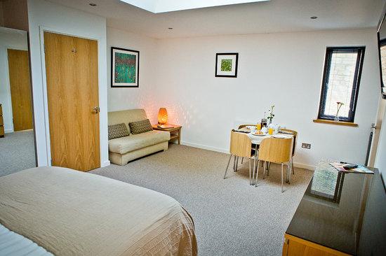 The Cedars: Room