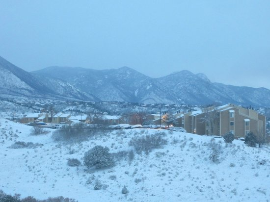Colorado Springs Marriott : View of foothills from room