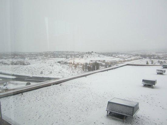 Colorado Springs Marriott : Weather in Colorado is fickle (May 2013)