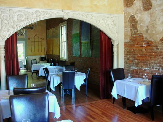 Imperial Hotel: Rustic Dining Room