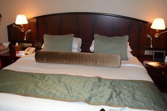 Ramada Jumeirah: Bed