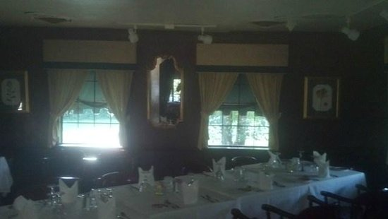 J. Bruner's at the Haunted House Restaurant: group dining