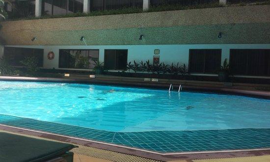 Asia Hotel Bangkok: Swimming pool