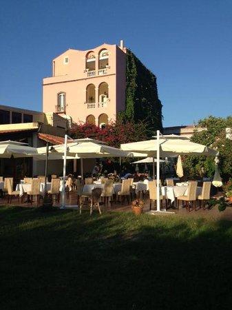 Hotel Palazzo Sa Pischedda Bosa: ristorante all'aperto