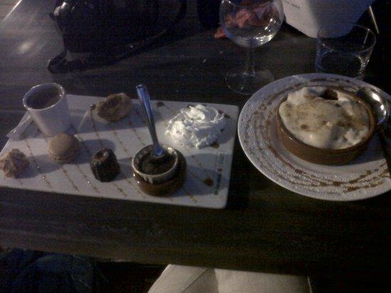 Chez Huguette : café gourmqnd et sabayon de fraises