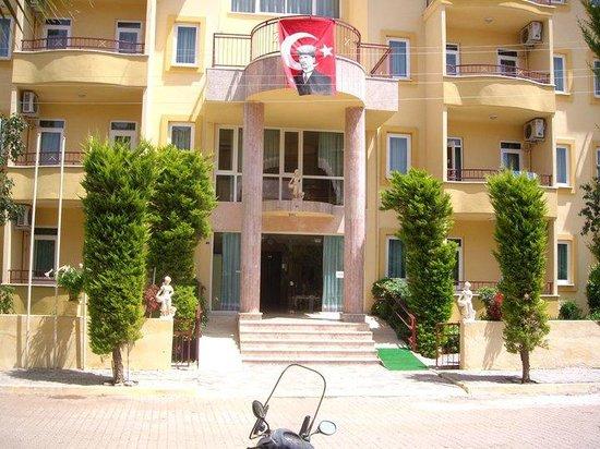 Photo of Albatros Apartments Armutalan