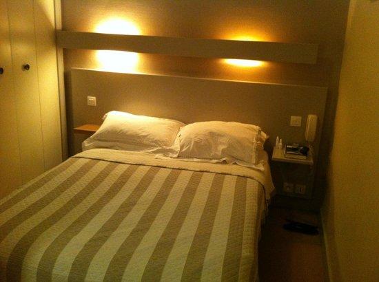 Inter-Hotel Majestic : Lit double en 140