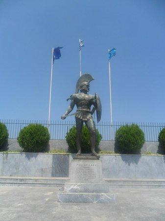 Greece Taxi: Sparta Leonidas Statue
