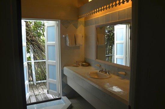 Cocobay Resort: il bagno