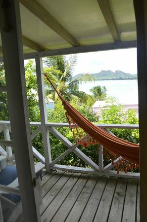 Cocobay Resort: l'amaca sul terrazzo