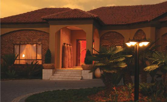 Dawn Entrance to Witwater Guest House and Spa