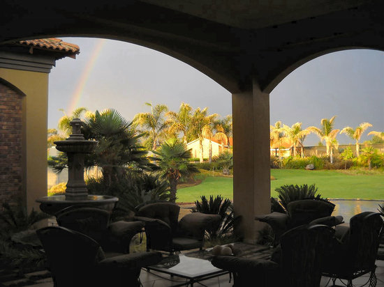 Witwater Guest House and Spa: View from outside lounge