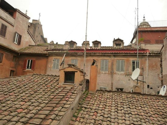B&B Un Posto a Roma: View from Living room