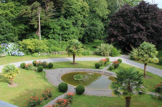 Chateau de Kerlarec : garden view