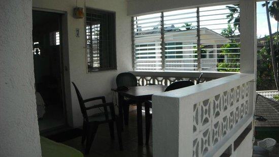 Art Studio Apartments : balcony