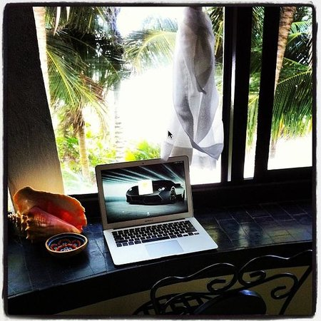 Casa de las Olas: Nice place in the suite to sit and get a little work done.