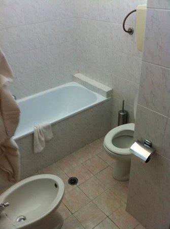 Hotel Piero della Francesca: il bagno