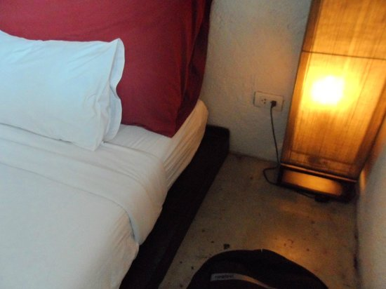 Fortville Guesthouse: the bed