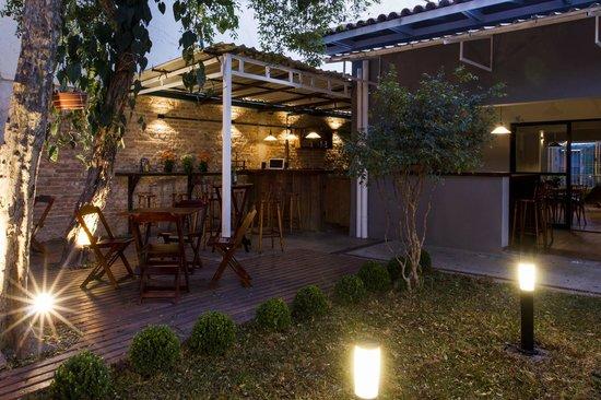 Garoa Hostel: Communal area