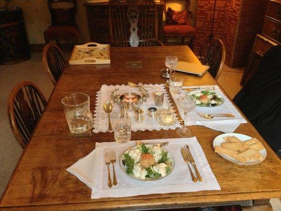 The School House Bed and Breakfast: La splendida cena, in tavola la mousse di salmone