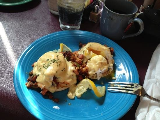 Cajun shrimp eggs Benedict - Foto di Goodness Gracious Catering & Cafe ...