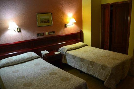 Hotel Montecarlo: chambre