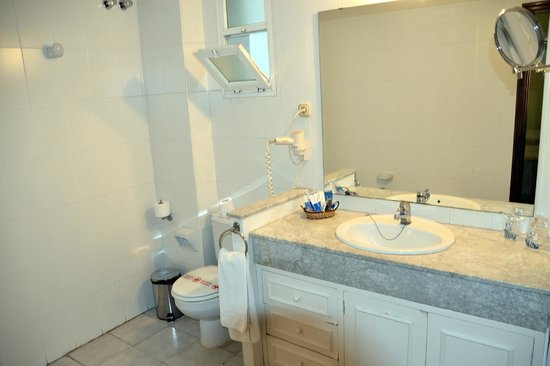 Hotel Montecarlo: salle d'eau