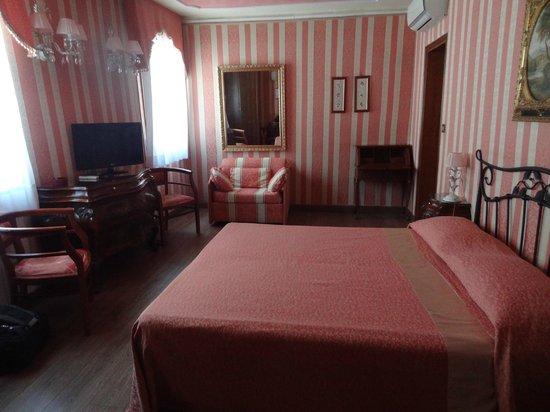 Locanda Antico Fiore : Superior Room in Venetian Style