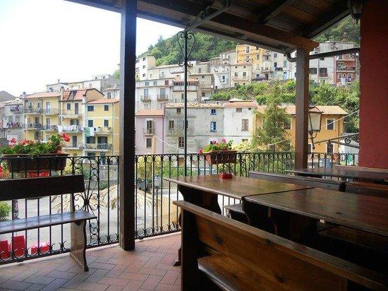 Il panorama di Gizzeria dal terrazzo. - Picture of Ristorante Le Tre ...