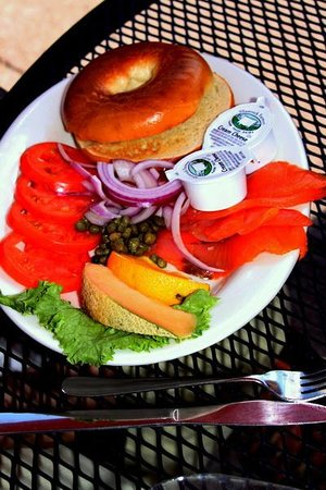 The Happy Cooker: Bagels with smoked salmon & capers
