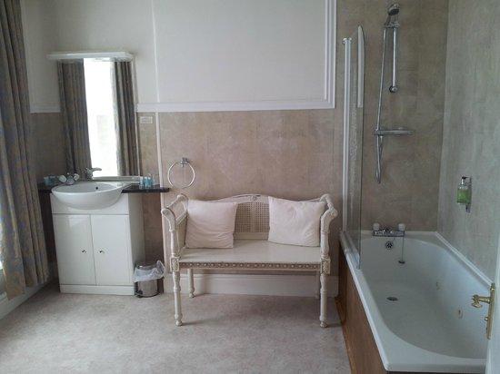 Cae Mor Hotel: Bathroom