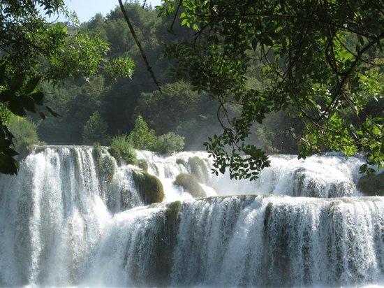 Sibenik-Knin County, Kroatia: Cascate parco Krka