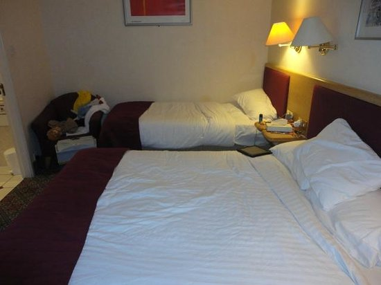 Best Western Grosvenor Hotel: King bed and single (comfy)