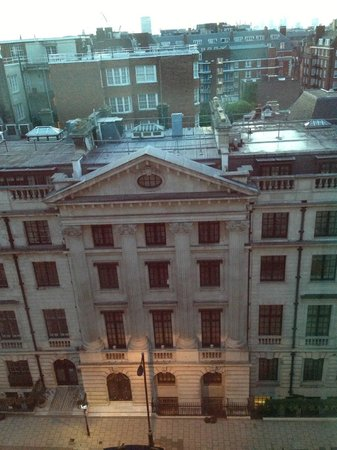 Grosvenor House, A JW Marriott Hotel: The view facing the US Embassy
